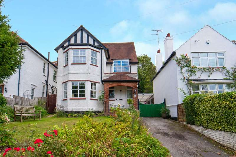 3 Bedrooms Detached House for sale in Merry Hill Road, Bushey