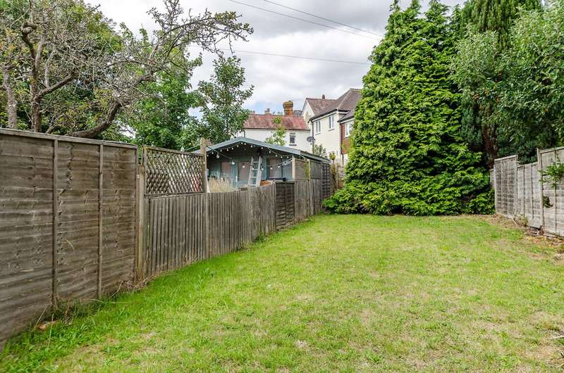 4 Bedrooms Semi Detached House for rent in New Cross Road, Stoughton, GU2
