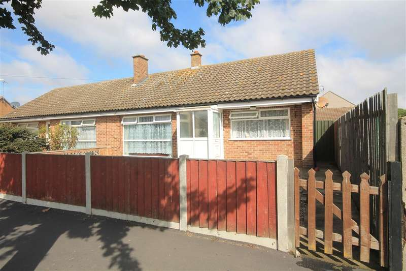 2 Bedrooms Bungalow for sale in Douglas Road, Clacton on Sea