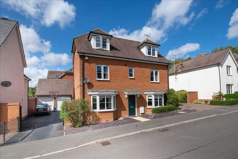 5 Bedrooms Detached House for sale in Tatchell Drive, Charing