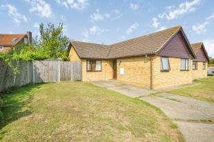 3 Bedrooms Bungalow for sale in Woodside, Dunkirk, Faversham, Kent