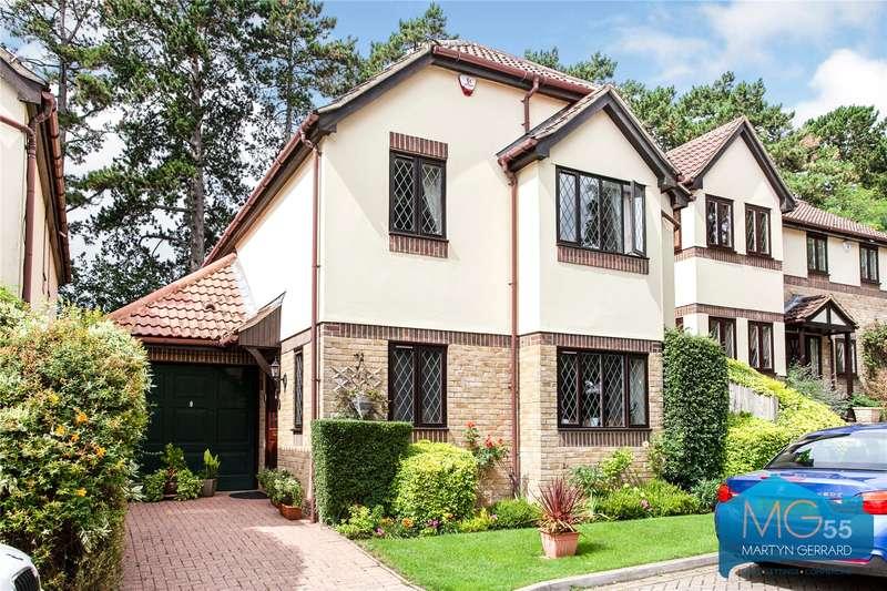 4 Bedrooms Detached House for sale in Pinecroft Crescent, High Barnet, Hertfordshire, EN5