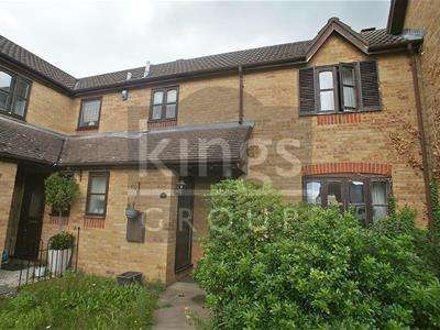 3 Bedrooms Terraced House for sale in Lamplighters Close, Waltham Abbey