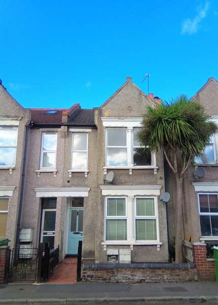 1 Bedroom Maisonette Flat for sale in Woolwich Road, Bexleyheath, London, DA7