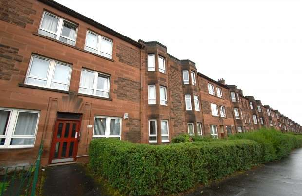 2 Bedrooms Flat for sale in Flat 0/2 1395 Paisley Road West, Bellahouston, G52