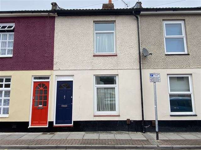 2 Bedrooms Terraced House for sale in Albert Road, Cosham, Portsmouth, Hampshire, PO6 3DD