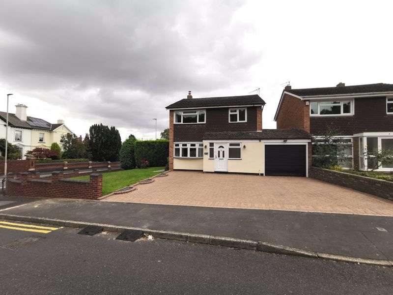 4 Bedrooms Property for sale in STOURBRIDGE, Wollaston, Wolverley Avenue