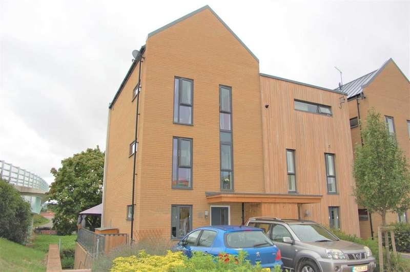4 Bedrooms Semi Detached House for sale in Firepool View, Taunton
