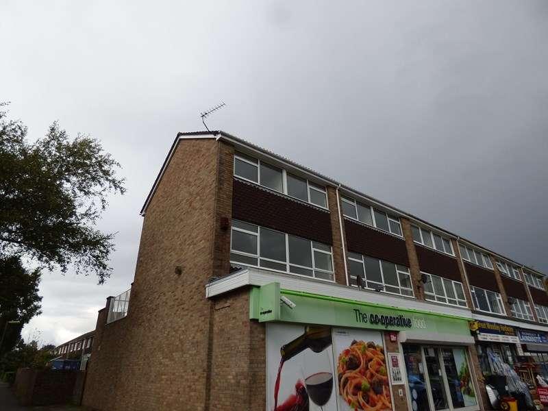 3 Bedrooms Apartment Flat for rent in Warren Gardens, Romsey, Hampshire, SO51