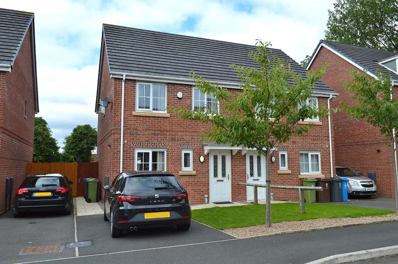 3 Bedrooms Semi Detached House for sale in Sunnybrow Close, Oldham, OL8 2SZ