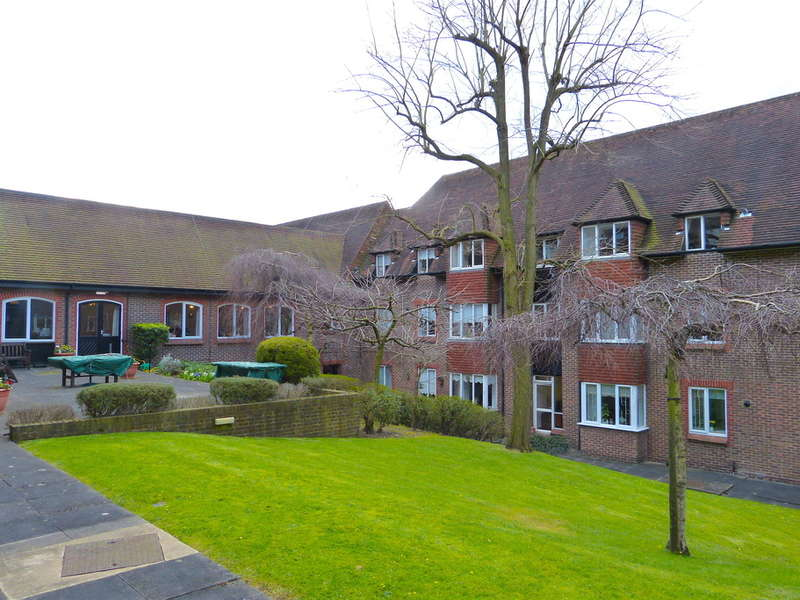 2 Bedrooms Flat for sale in FINCHLEY ROAD, TEMPLE FORTUNE, LONDON, NW11