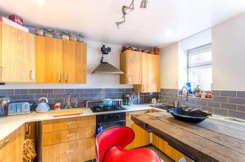 3 Bedrooms Flat for rent in Homerton Road, Homerton, E9