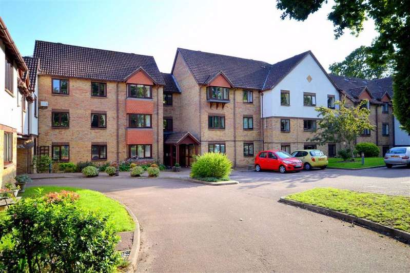 1 Bedroom Flat for sale in New Milton