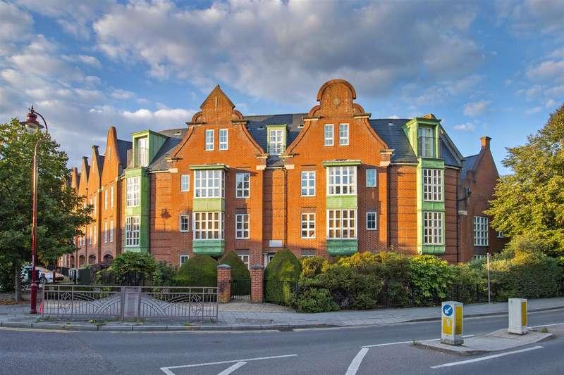 2 Bedrooms Apartment Flat for sale in Watling Street, Radlett