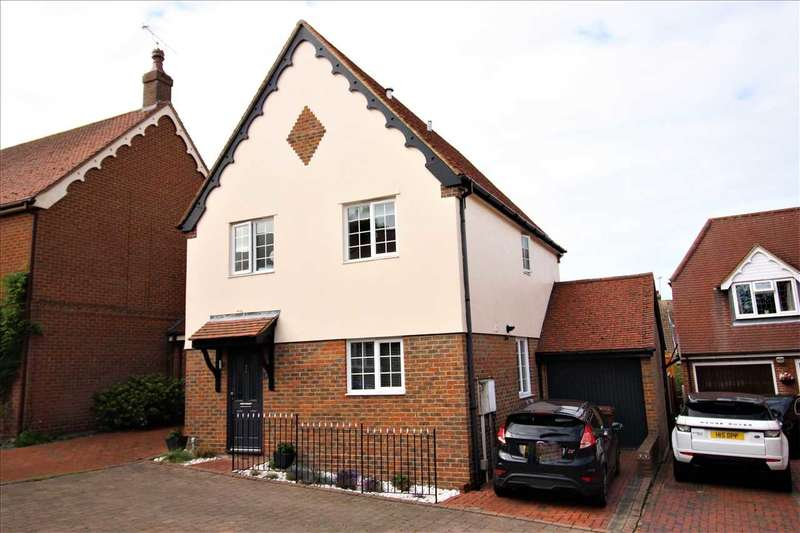 3 Bedrooms Detached House for sale in Romagne Close