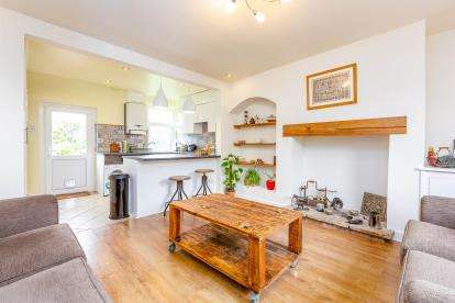 2 Bedrooms Terraced House for sale in Hawley Street, Winewall, Colne, Lancashire, BB8