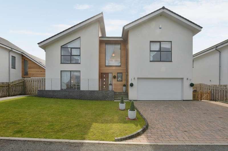 4 Bedrooms Detached House for sale in Cransley Gardens, Lanark, ML11 0SL