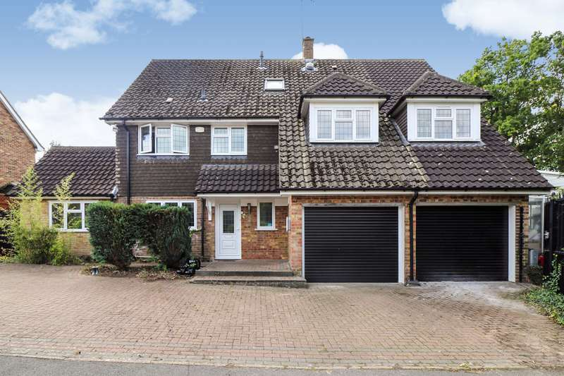 6 Bedrooms Detached House for sale in Great Oaks, Hutton, Brentwood, Essex