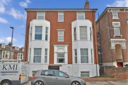 3 Bedrooms Flat for sale in 1 Waverley Grove, Southsea, Hampshire