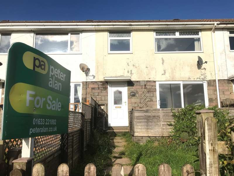 3 Bedrooms Terraced House for sale in Quantock Close, Risca, Newport