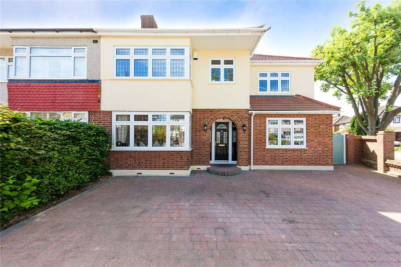 4 Bedrooms Semi Detached House for sale in Fleet Avenue, Upminster, RM14
