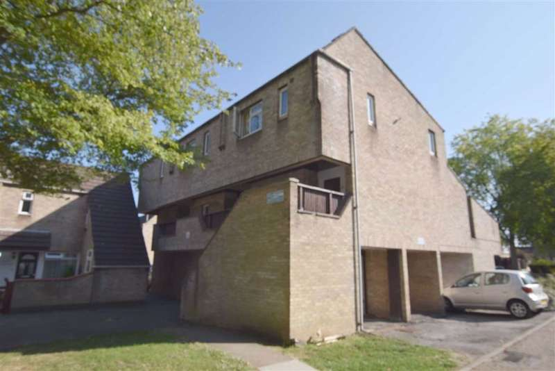 2 Bedrooms Maisonette Flat for sale in Cheshunts, Basildon, Essex