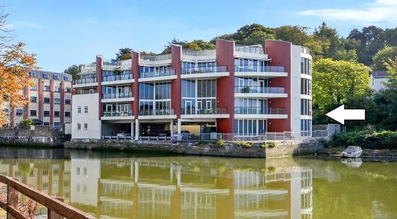 3 Bedrooms Flat for sale in Malpas Road, Truro