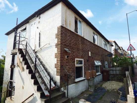 Maisonette Flat for sale in Upper Luton Rd, Chatham, Kent, ME5 7BQ