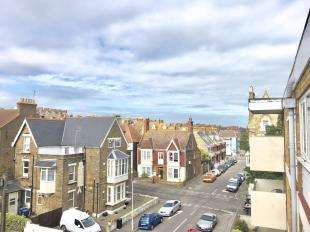 2 Bedrooms Flat for sale in North Gateway Court, Truro Road, Ramsgate, Kent