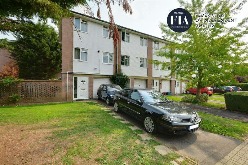 3 Bedrooms End Of Terrace House for sale in Thornbury Road, Isleworth
