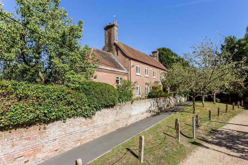 4 Bedrooms Detached House for sale in Church Lane, West Parley, Dorset, BH22 8TR