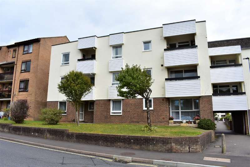1 Bedroom Flat for sale in Regal Close, Cosham, Portsmouth, PO6 2EQ