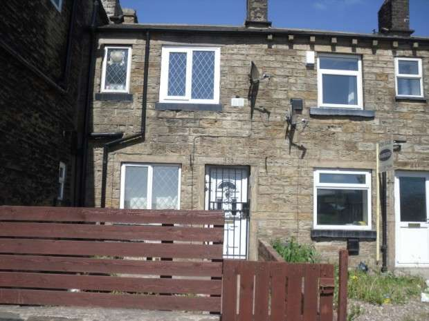 2 Bedrooms Terraced House for rent in Tong Street, Bradford, BD4