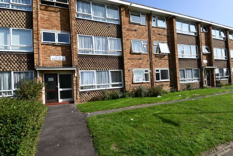 2 Bedrooms Flat for sale in Wellmead, Wellwood Road, Ilford, IG3