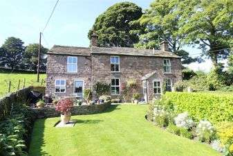 3 Bedrooms Detached House for sale in Wincle, Cheshire