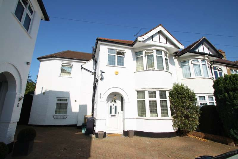 4 Bedrooms End Of Terrace House for sale in Greenway, Woodford Green