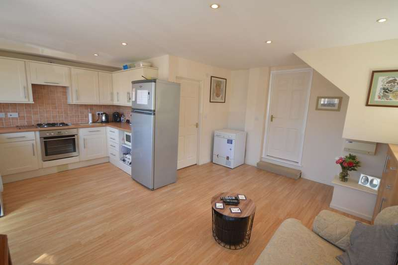 1 Bedroom Maisonette Flat for sale in Golden Farm Road, Cirencester