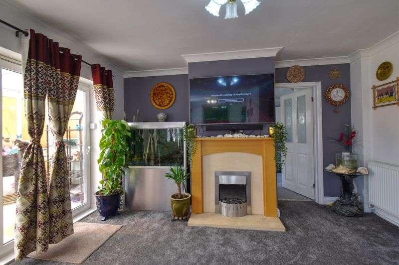 3 Bedrooms Property for sale in Harvey Close, Upper Caldecote, Biggleswade
