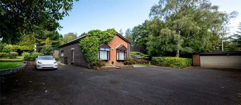 5 Bedrooms Detached Bungalow for sale in Sunny Brow Road, Middleton, Manchester, M24