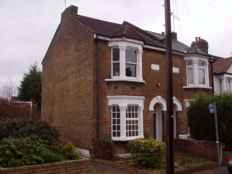 1 Bedroom Property for rent in Browning Road, Enfield, Middlesex
