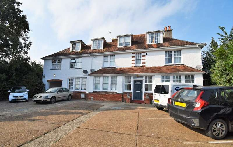2 Bedrooms Flat for sale in Highbury Court, Lane End Road, Bembridge, Isle of Wight, PO35 5SU