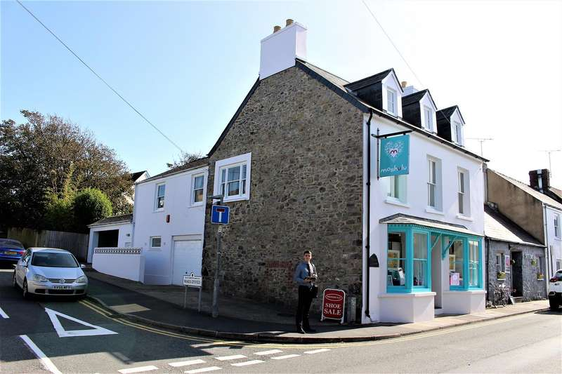 4 Bedrooms Retail Property (high Street) Commercial for sale in Paris House, New Street, St. Davids