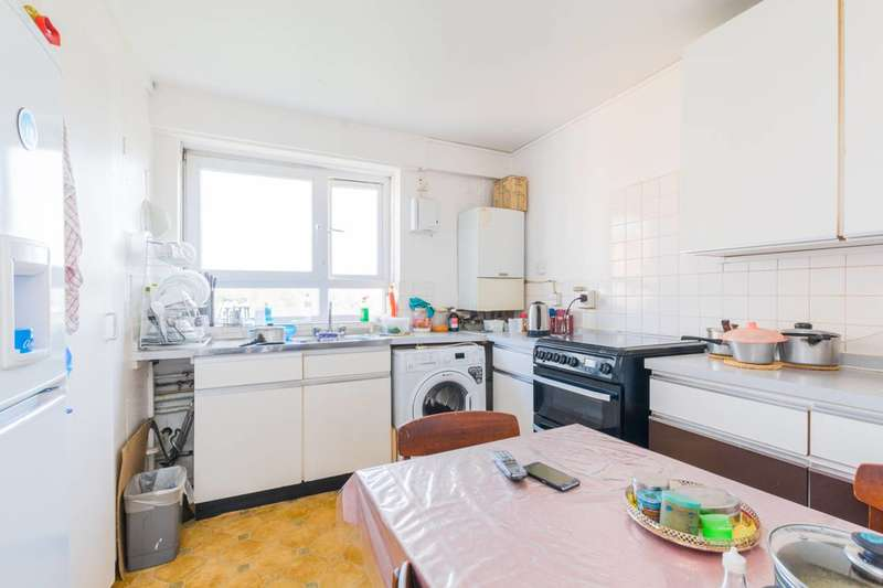 2 Bedrooms Flat for sale in Priory Road, Upton Park, E6