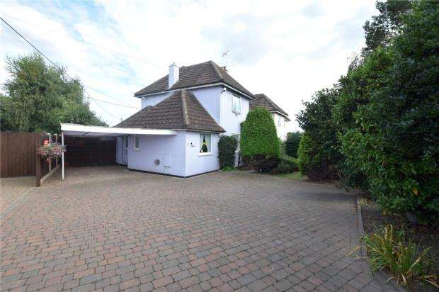 3 Bedrooms Semi Detached House for sale in Bromley Road, Elmstead, Colchester