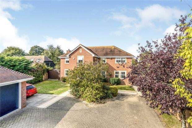 5 Bedrooms House for sale in Spinnaker Grange, Hayling Island, Hampshire