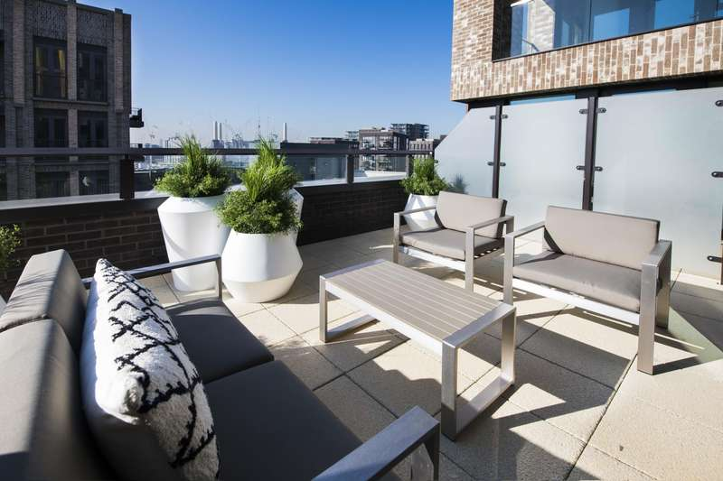 3 Bedrooms Apartment Flat for rent in Thornes House, The Residence, Charles Clowes Walk, Vauxhall, SW11