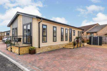 2 Bedrooms Mobile Home for sale in Short Drove, Downham Market