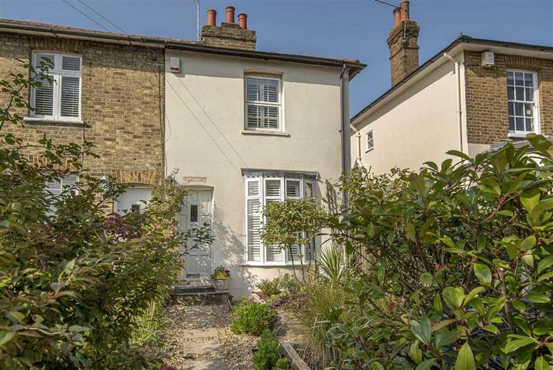 2 Bedrooms House for sale in Hadley Highstone, Barnet, Hertfordshire