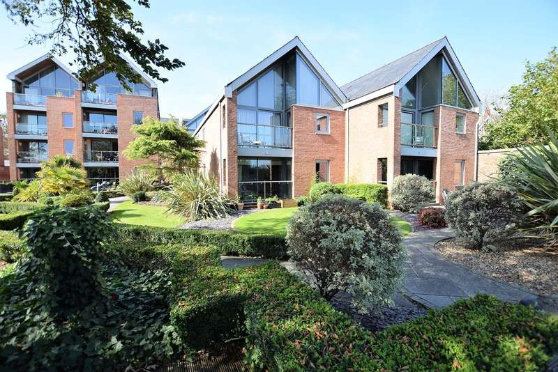 2 Bedrooms Flat for sale in Fairlawn Road, Lytham St. Annes