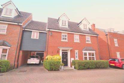 4 Bedrooms Link Detached House for sale in Great Baddow, Chelmsford, Essex
